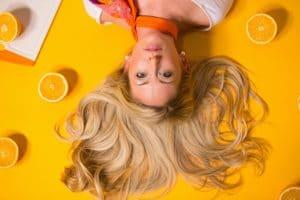 Cheveux au naturel : ce produit est exceptionnel pour vous protéger du soleil