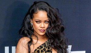 Rihanna sulfureuse sur cette couverture de magazine qui ne laisse personne indifférent…